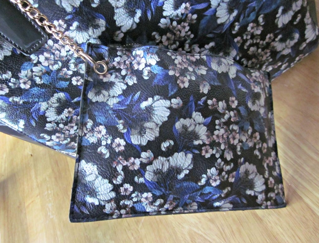 Scarfanista LYDC floral shopper - coin purse close up
