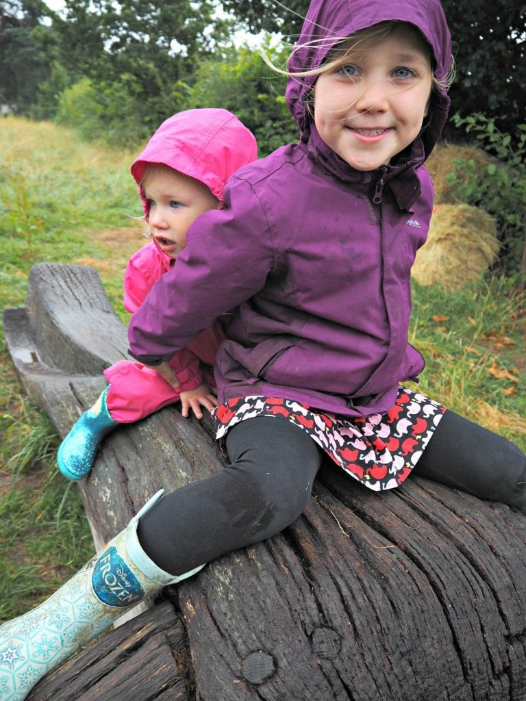 Aria-and-Rowan-on-a-log