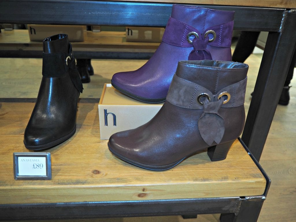 a out with hotter shoes in reading plus 163 10 for