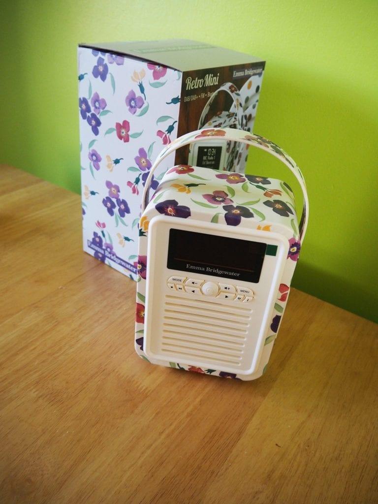 My-VQ-retro mini-radio-with-box