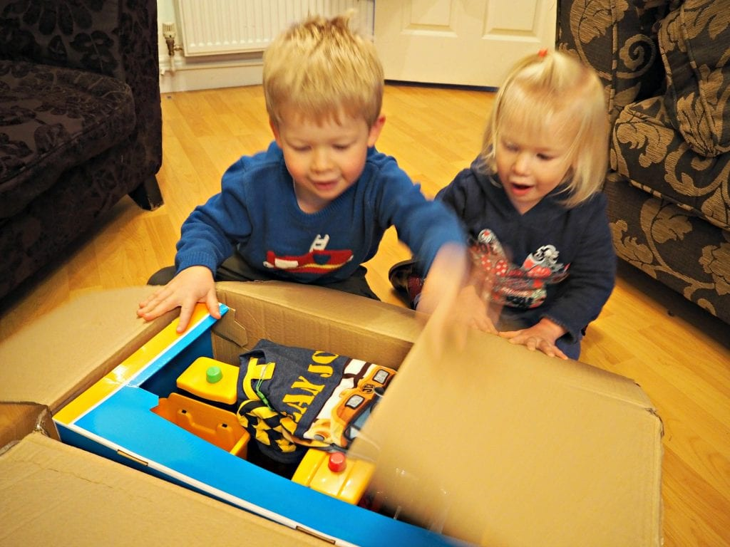 JCB-Kids-Nov-Unboxing-2
