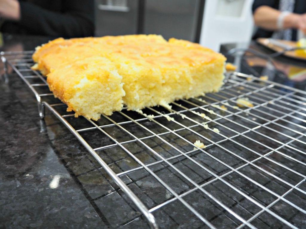 Panasonic-lemon-drizzle-cake
