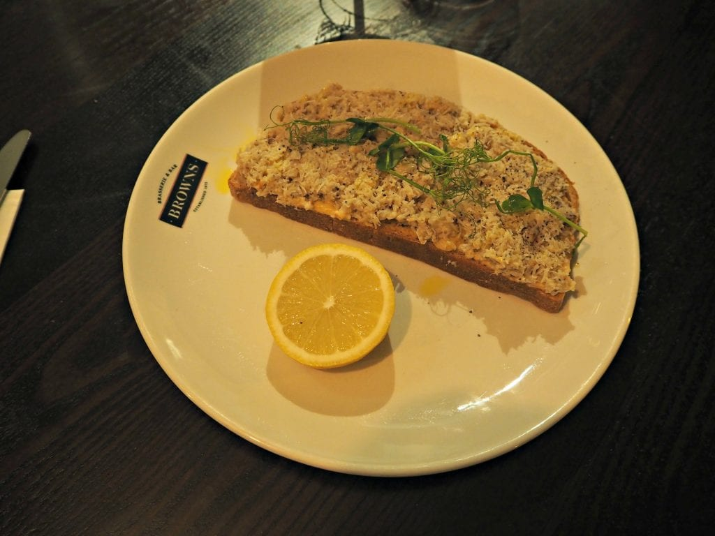 Browns-Windsor-Review-Devon-Crab-on-toast