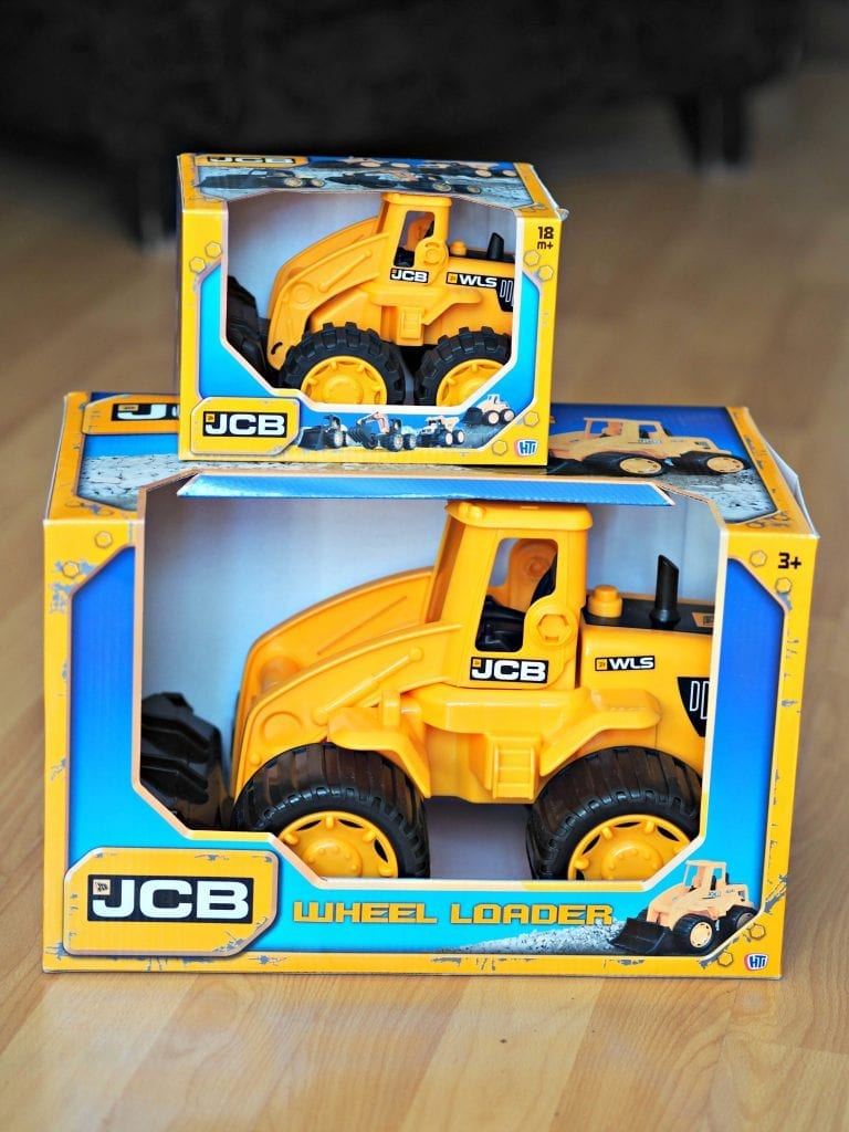 JCB Kids Wheel Loads Toys Review - 7 and i14 inch in boxes