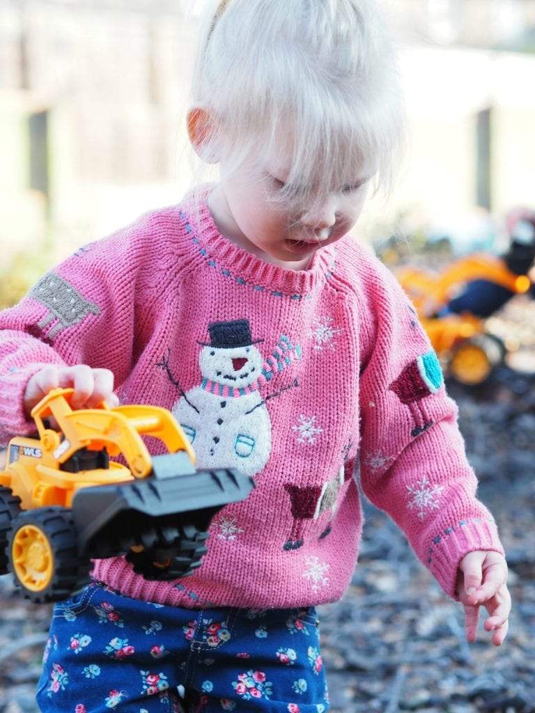 JCB Kids Wheel Loads Toys Review - Aria playing 1