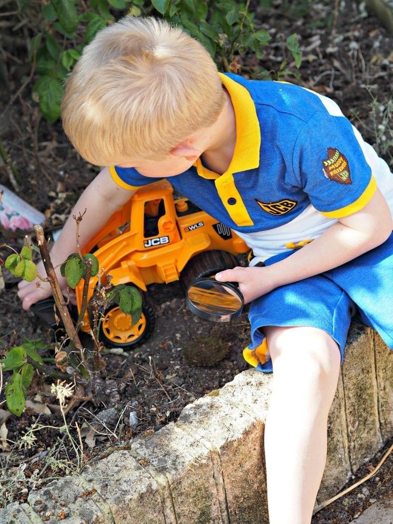 JCB Kids M&Co Shorts and Polo Shirt - Logan digging