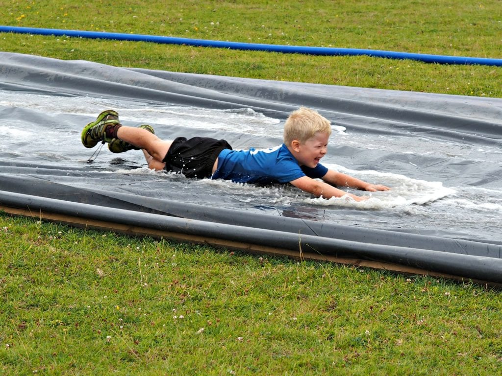 Muscle Acre July 2017 - sliding down