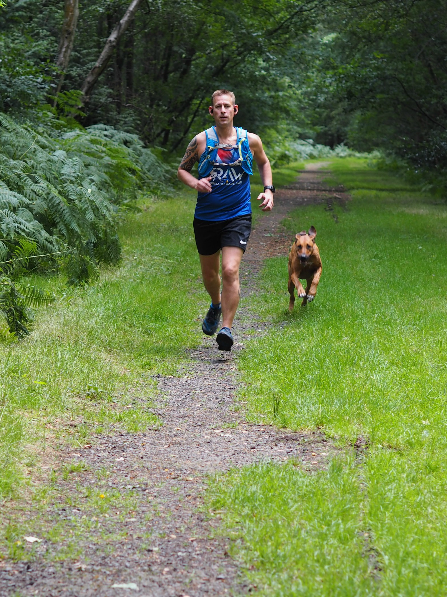 Jabra Sports Pace Earphones Review - Ben and Florence running