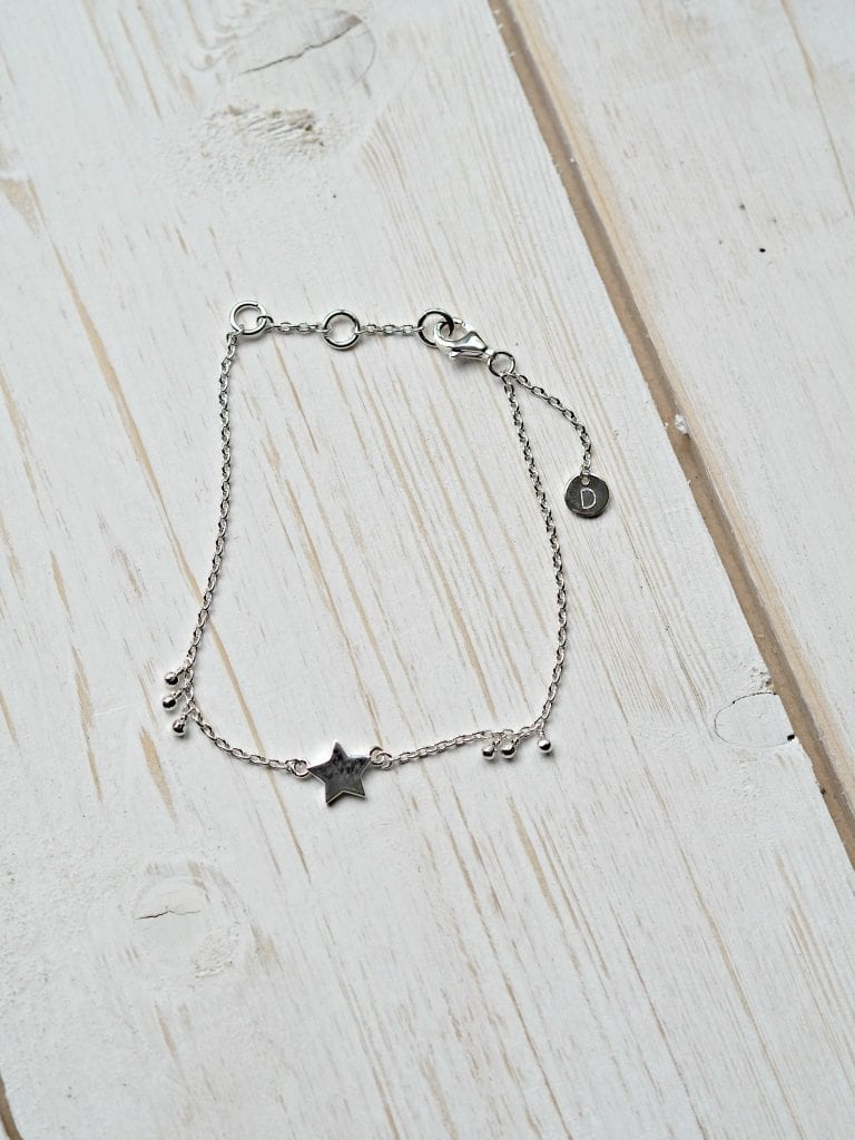 Daisy London Little Star Bracelet Review - bracelet on its own