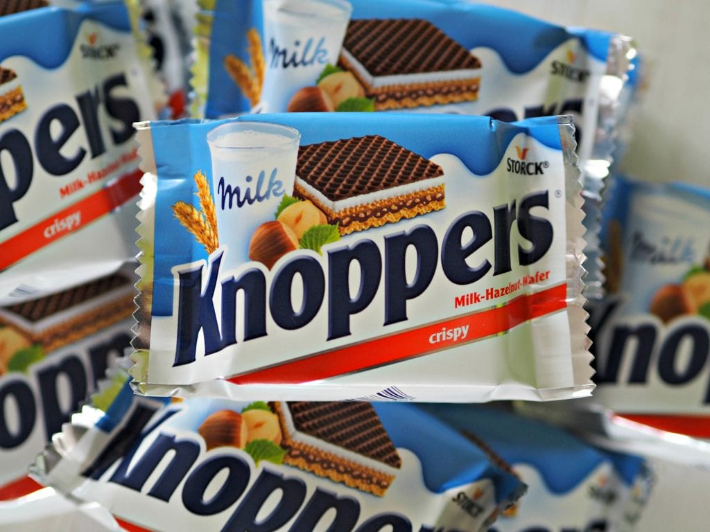 Knoppers Snack Bars Review - close up