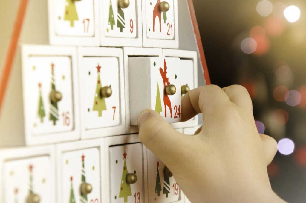 50 Ideas to Put in a Wooden Advent Calendar for Children