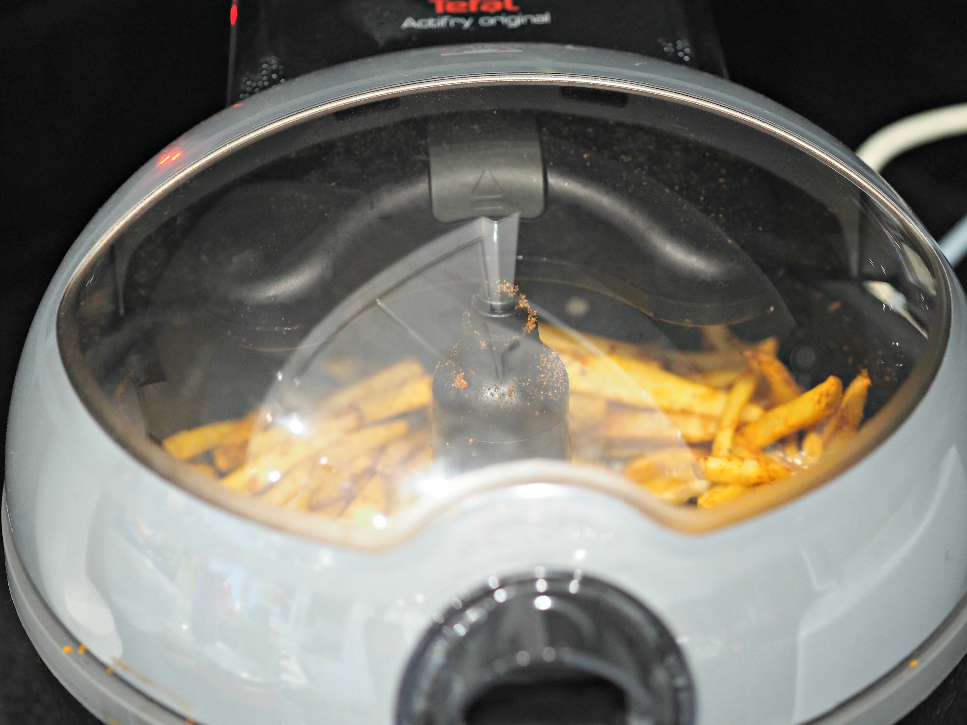 BEN'S ZONE Tefal ActiFry FZ740840 Review - chips cooking