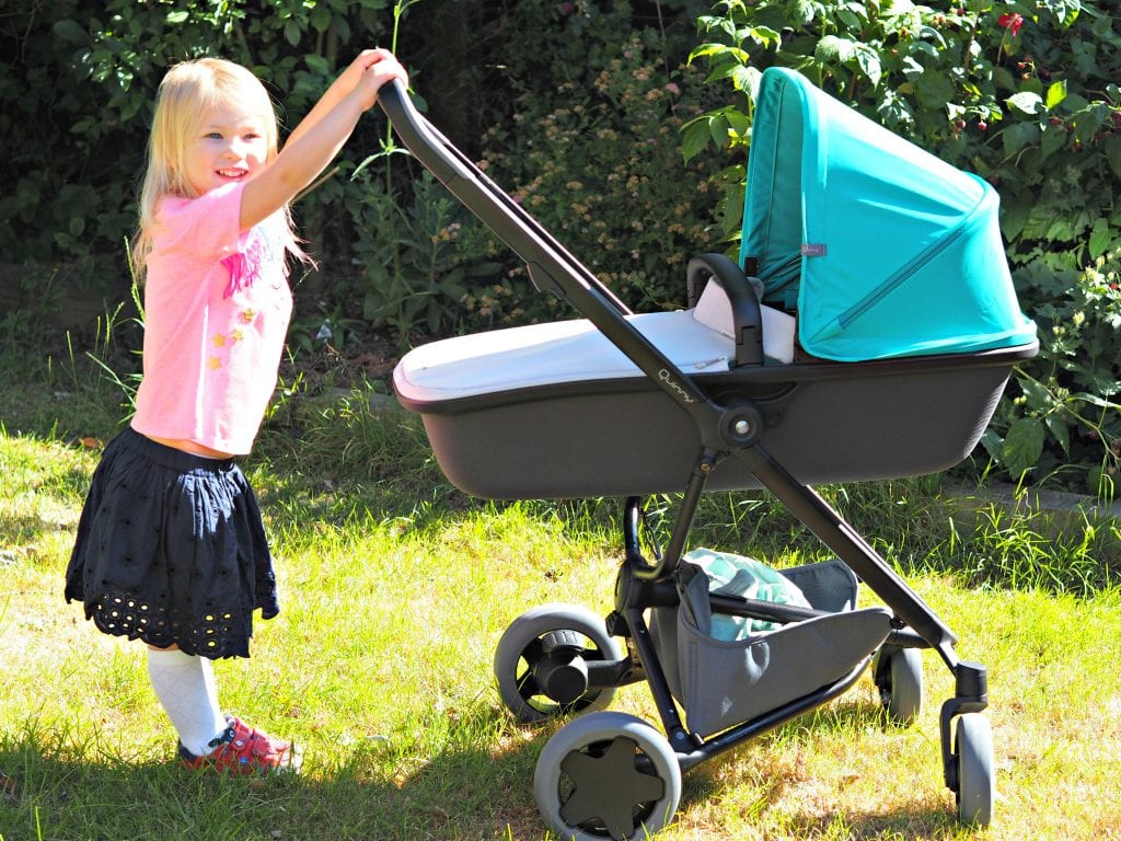Quinny Zapp Flex Plus Carrycot Review - Aria pushing pram