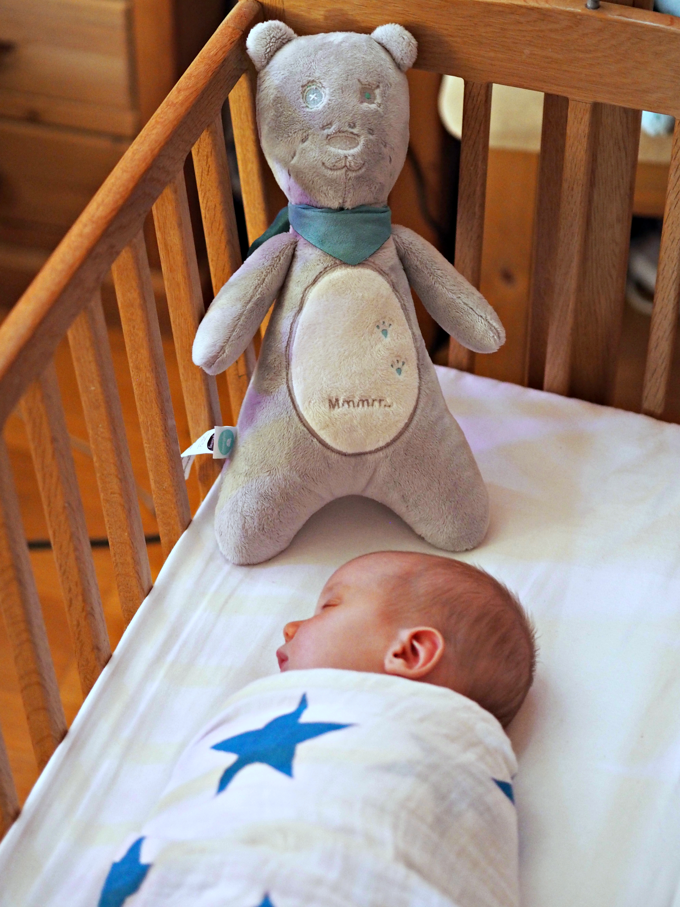 myHummy - White Noise Toy Review - Bodhi in crib