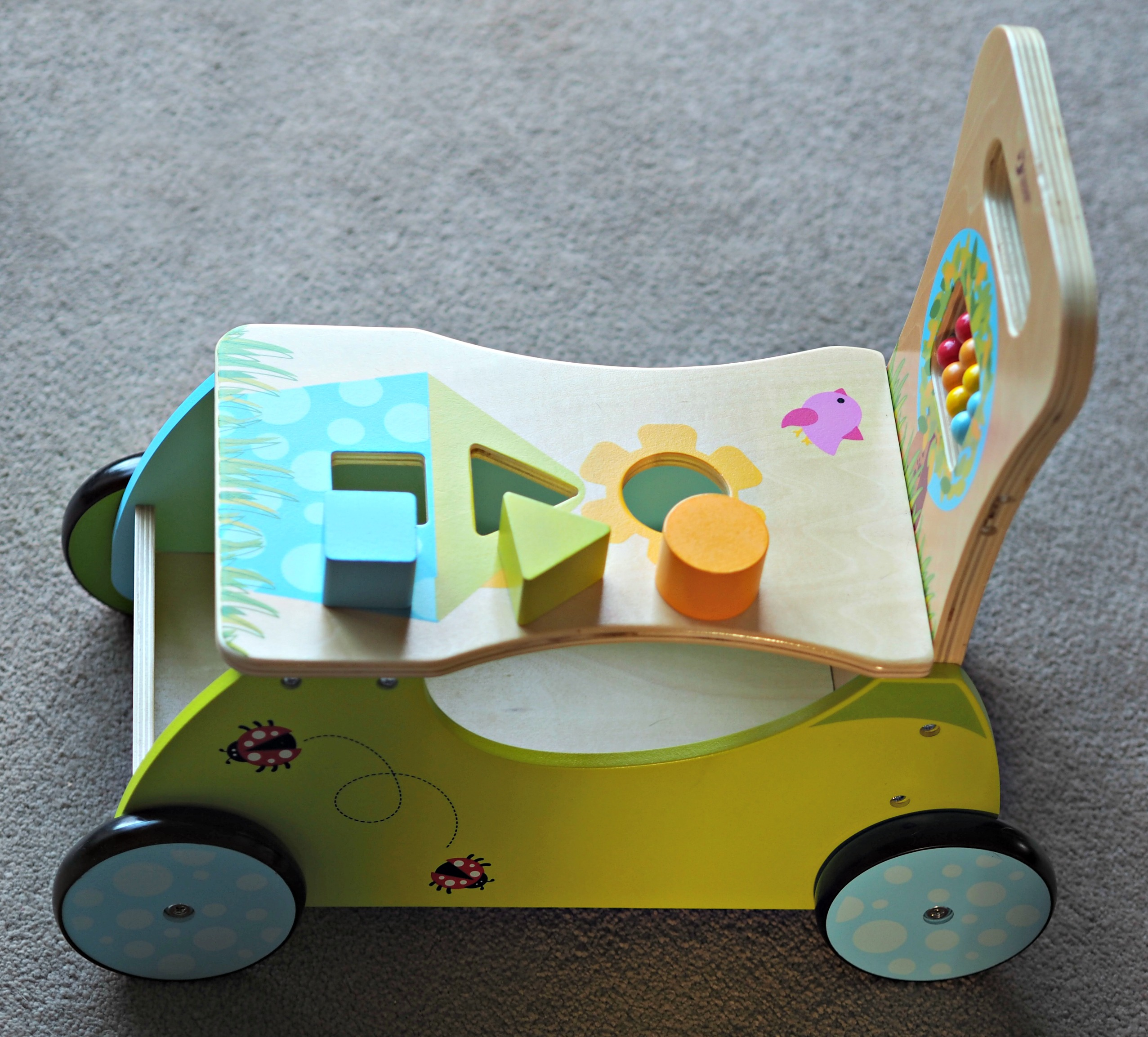 Hippy Chick Classic World Rider and Walker Review - shape sorter