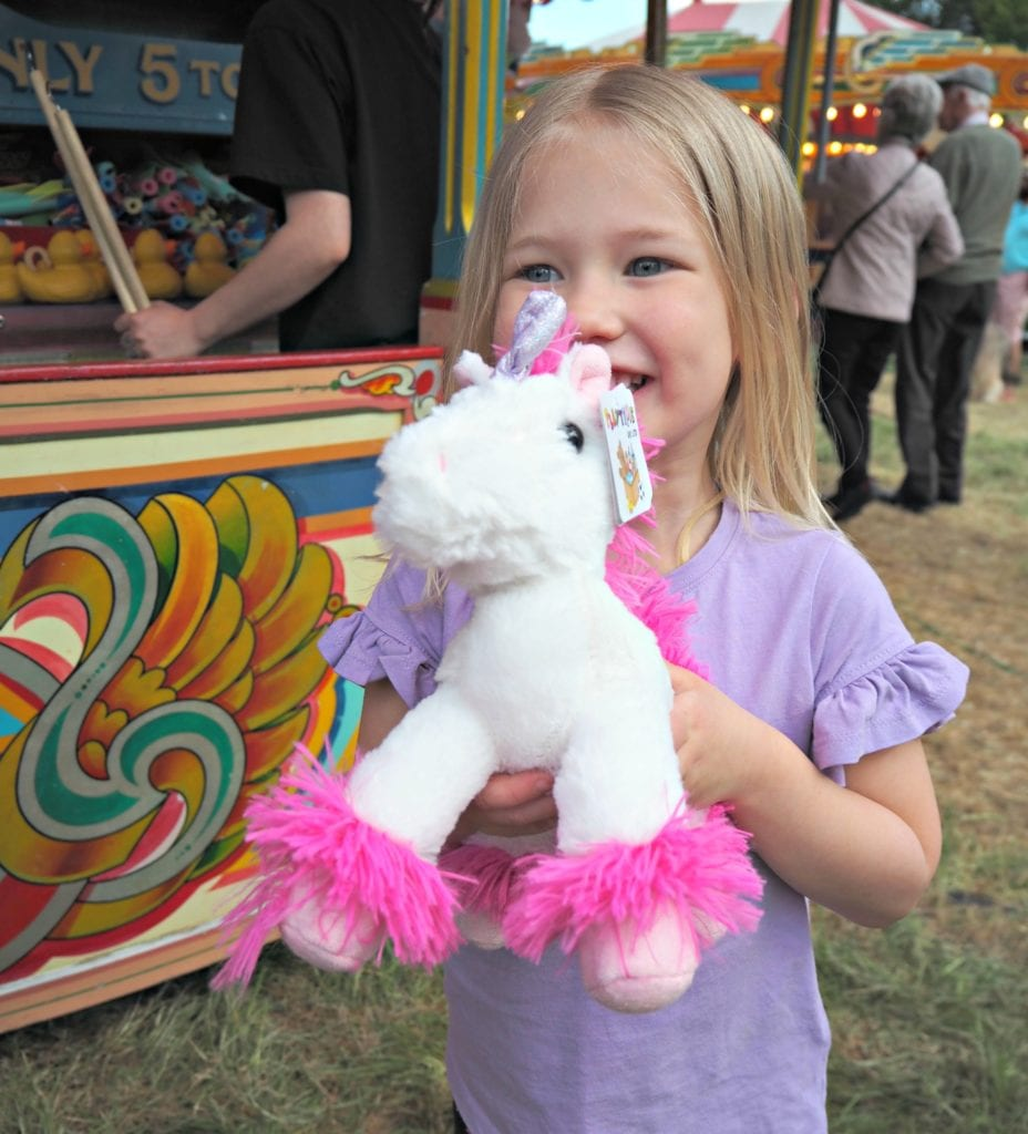 Aria with unicorn from hook a duck