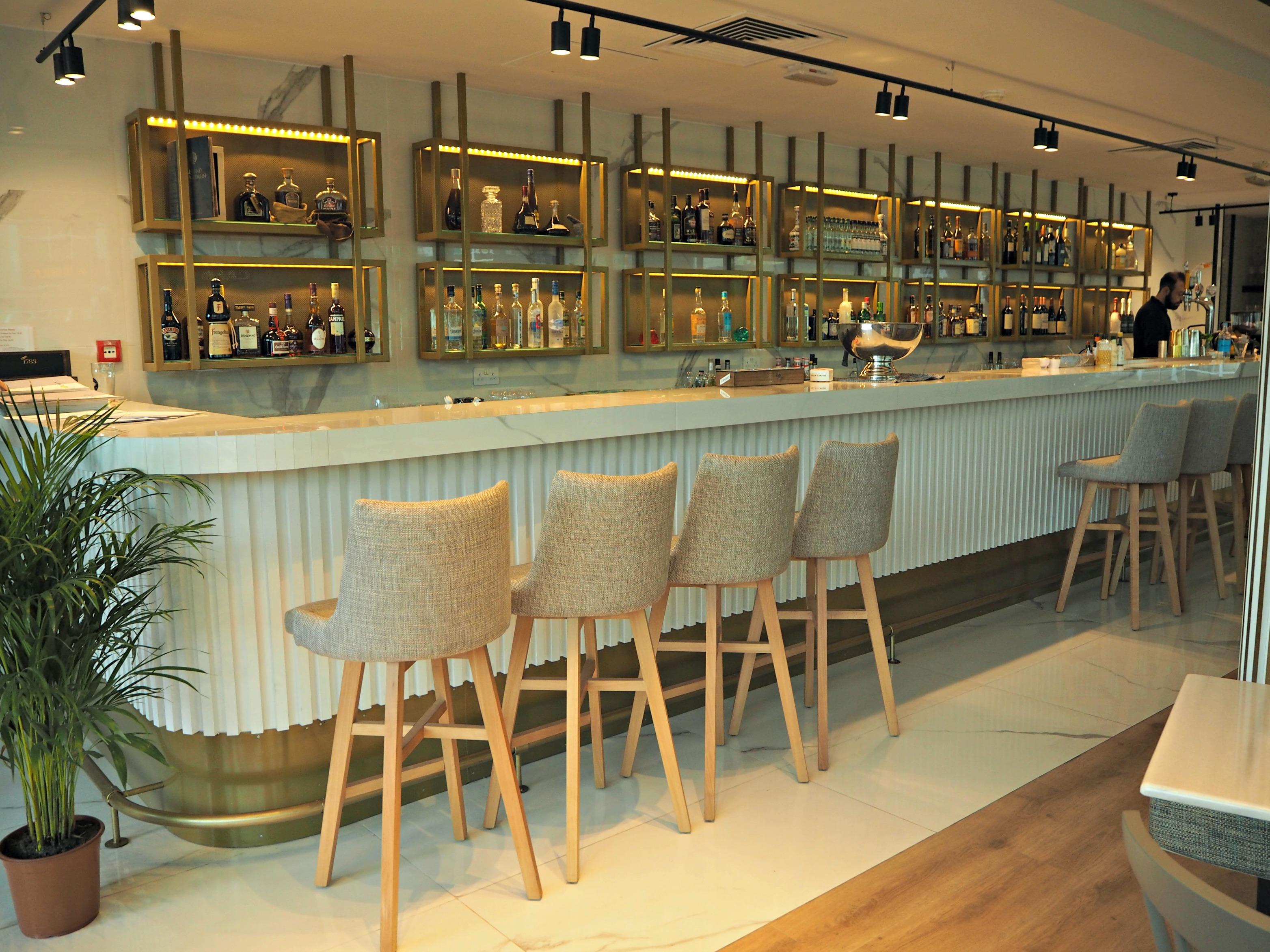 Lemoni - picture of the bar