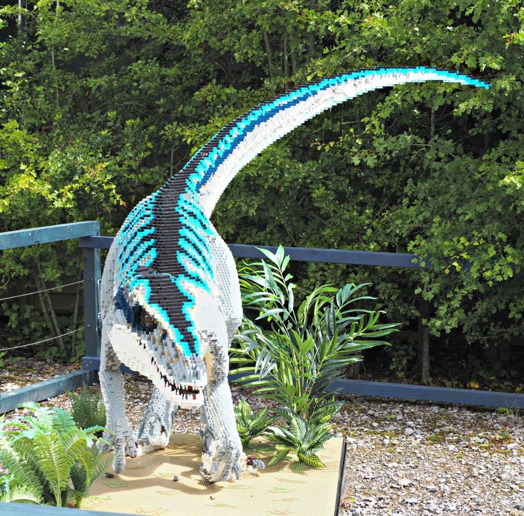 Brickosaurus velociraptor