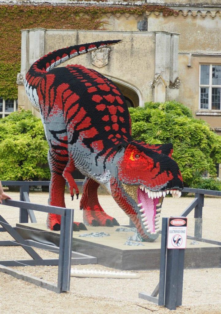 Brickosaurus T-rex