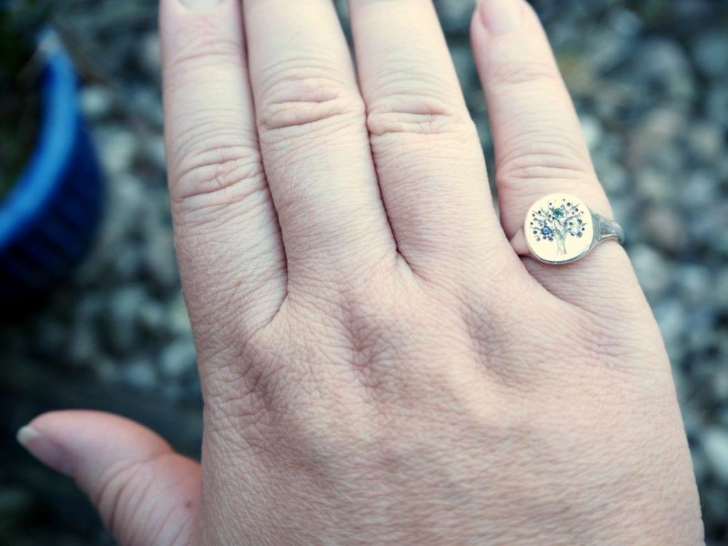 Jana Reinhardt family tree signet ring