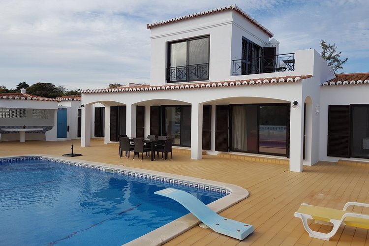 Villa with private pool in the algarve