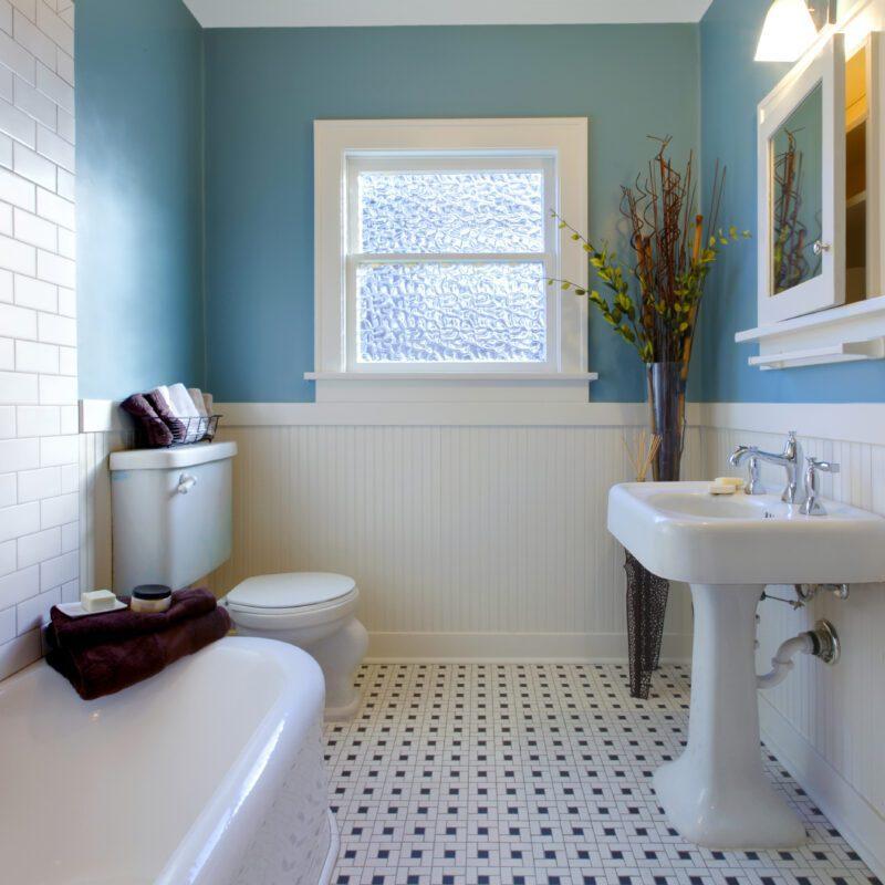4 Useful Tips For Creating a Designer Bathroom Under Budget